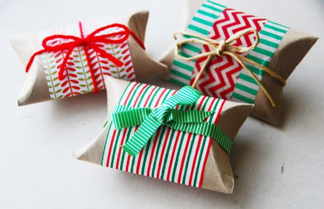 упаковка для подарка из втулки от туалетной бумаги