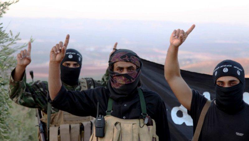 Американская разведка не может отличить дружественные силы от ИГ. Исламисты начинают атаку на Европу