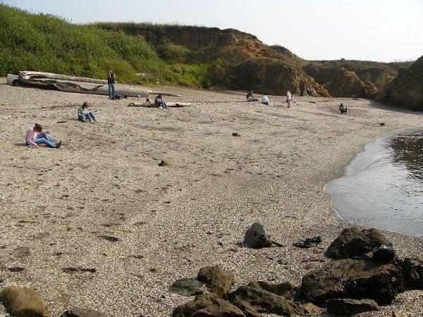 И пляжи бывают прикольными