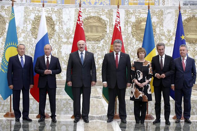 Путин, Лукашенко и Назарбаев пытались уговорить Порошенко прекратить войну