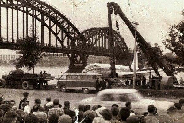 54 года назад прямо на Неву сел пассажирский самолёт