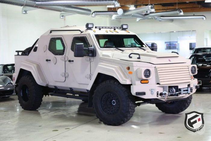На аукционе в США продают армейский внедорожник Terradyne Gurkha за 700 000$