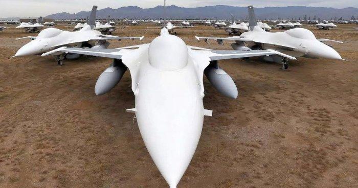 Экскурсия по самому большому в мире кладбищу авиатехники стоимостью $35 миллиардов