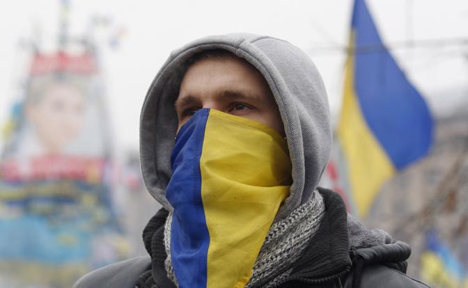 Война двух миров: Украинский готов раздавить Русский