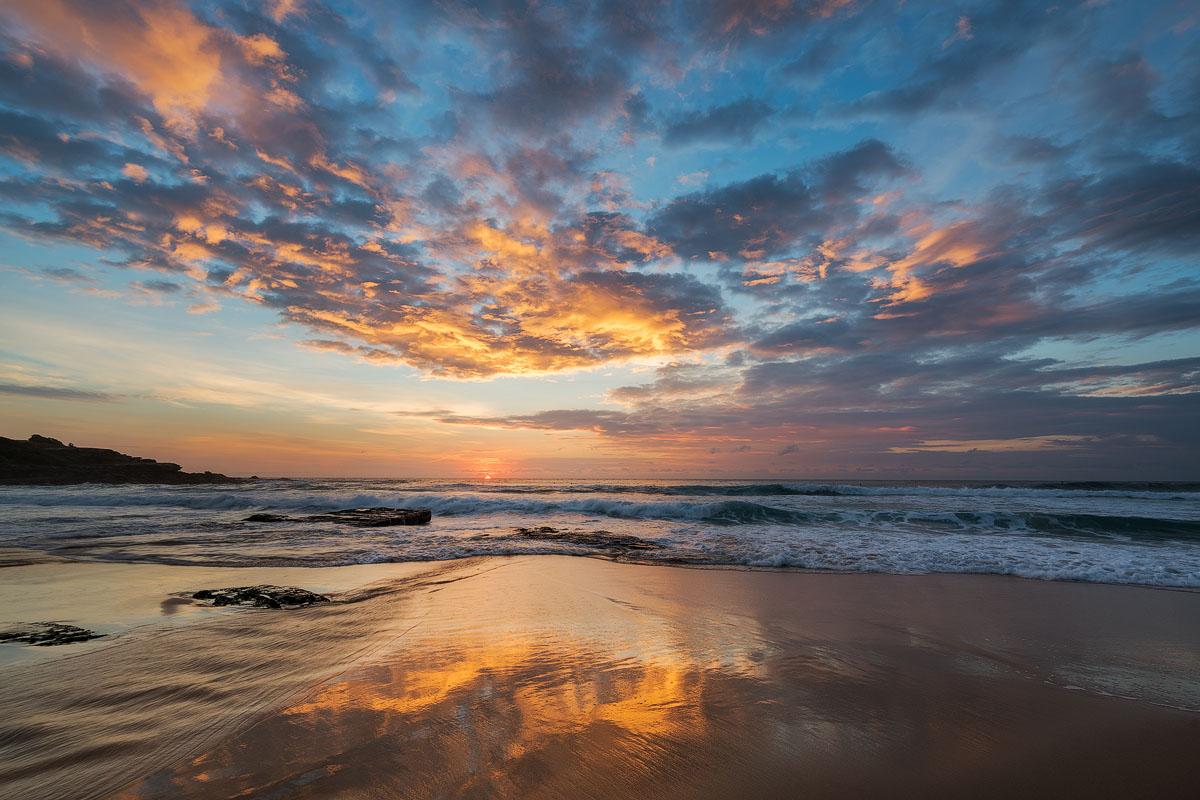 maroubra-beach-calm-sunrise.jpg