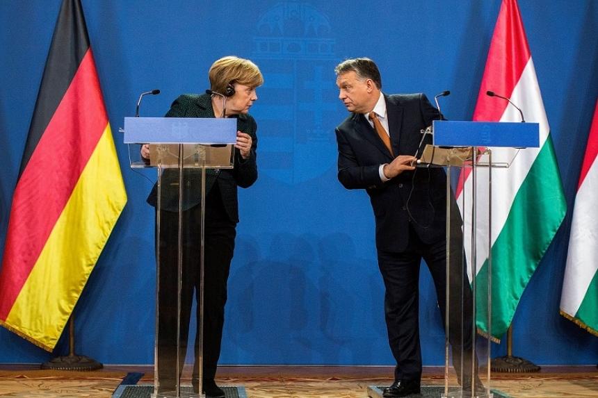 Меркель заключила тайный договор с Орбаном по мигрантам