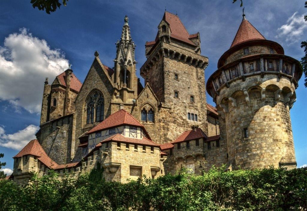 Замок Кройценштайн, Австрия