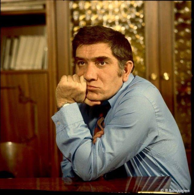 Звезды советского кино в молодости (55 фото)