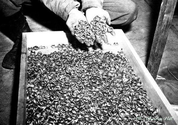 Швейцарский франк отлит из зубного золота концлагерей