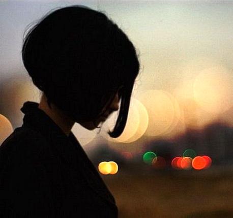 Фото на аву девушки брюнетки с короткой стрижкой на аву