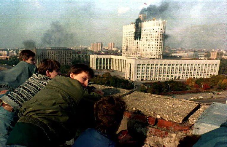 видео штурм белого дома в москве 1993