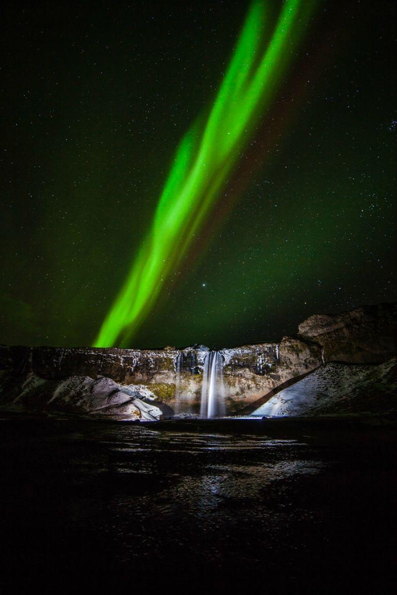 Водопад Селйяландсфосс (исл. Seljalandsfoss)