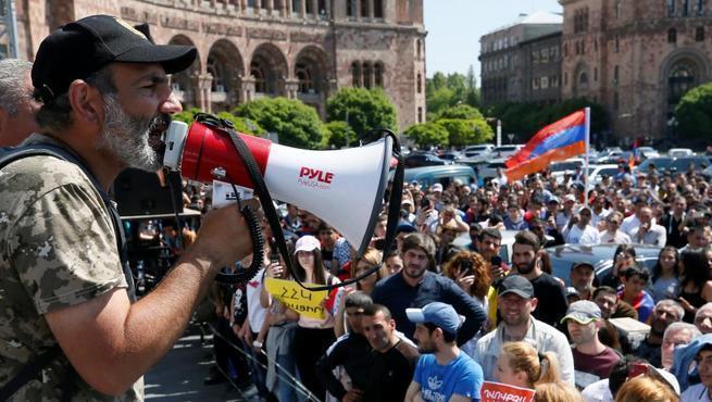 Армения во власти майданщиков: Получилось по Черномырдину