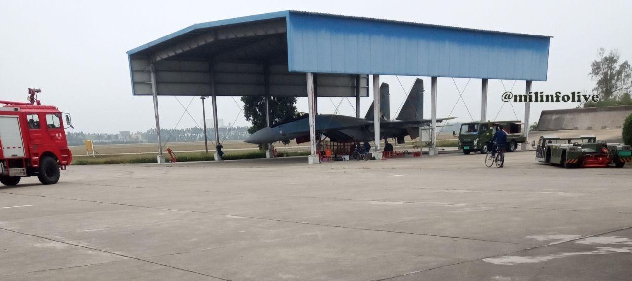 Китайские Су-35 на китайском аэродроме