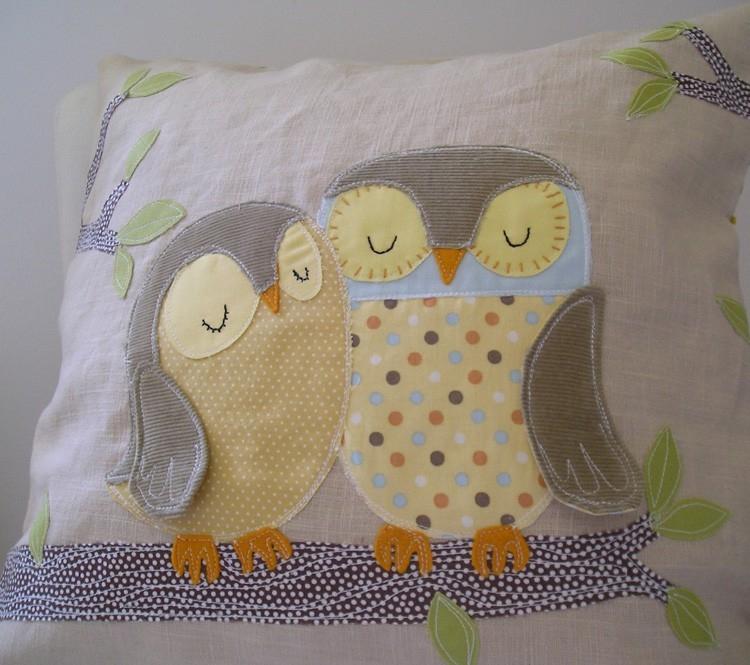 Как сшить детскую подушку с аппликацией 68