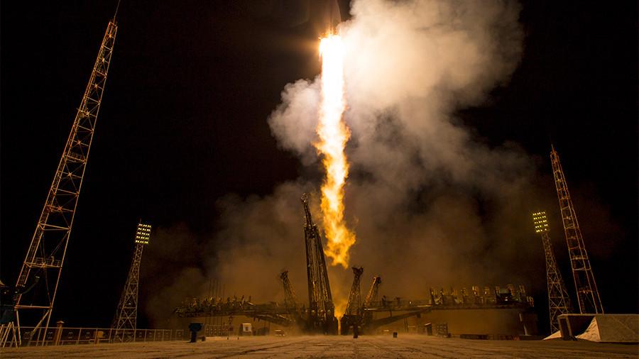 """""""Он улетел,но обещал вернуться"""": Три российских спутника не вышли на связь после запуска на орбиту"""
