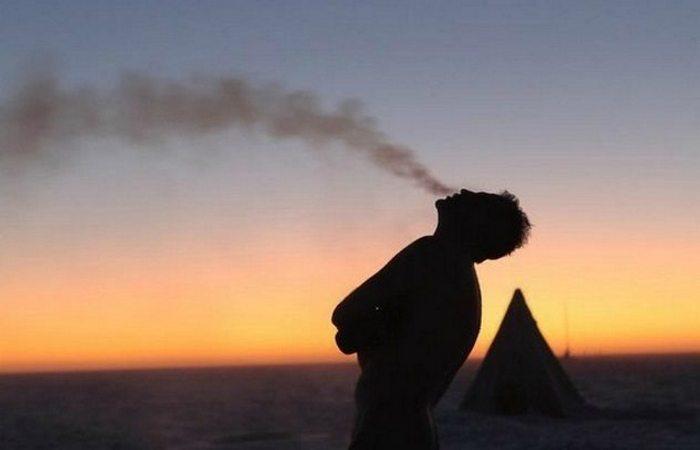 Южный полюс: -73 градусов по Цельсию.