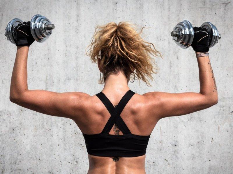 Лечение НАЖБП: силовые тренировки сокращают жир в печени на 30% за 15 дней