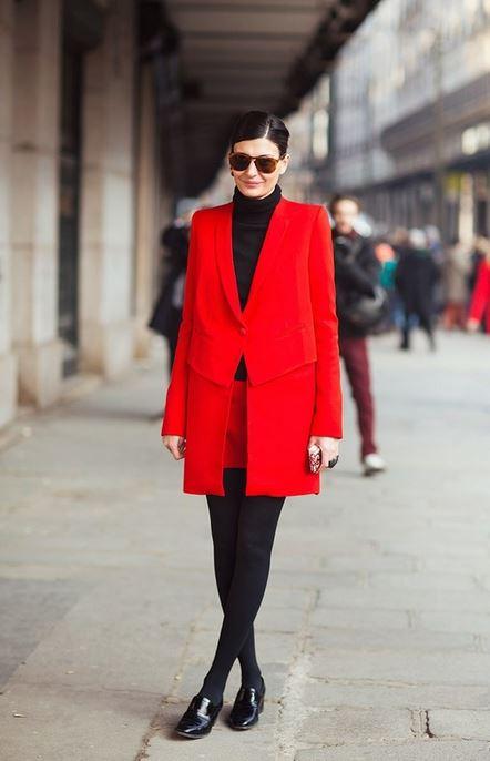 Как грамотно включить в свой гардероб красный цвет