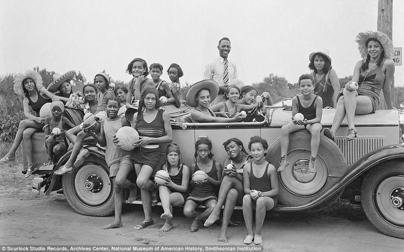 """Пляжи, которые сломали барьеры: история американских """"курортов для черных"""""""