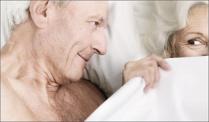 Секс с мужчиной которому за 60