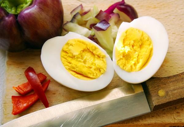 Как сварить яйца, чтобы они хорошо чистились