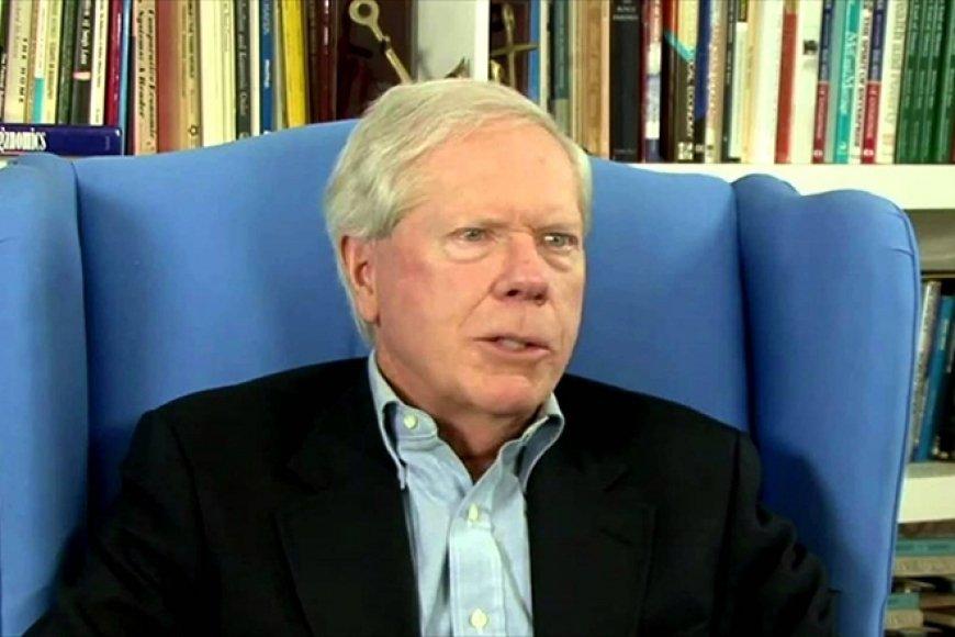 Пол Крейг Робертс о крахе США: американцы становятся долговыми рабами