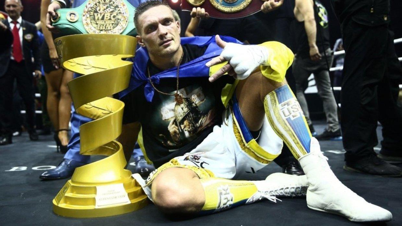 Украинский боксер Усик прове…
