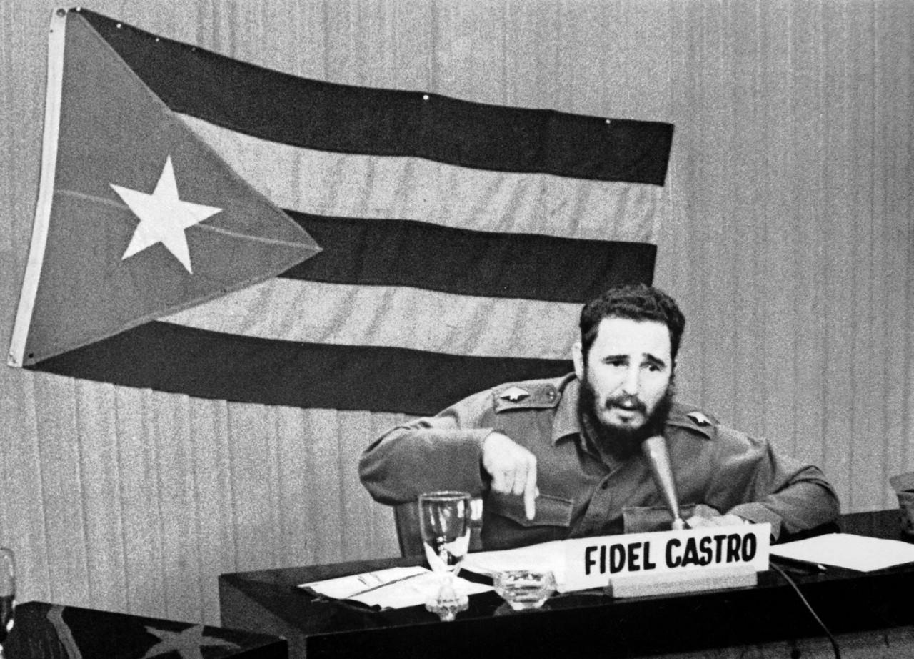 """""""Как работает машина убийств США?"""" - Хлёсткая статья Ф. Кастро об американской подрывной деятельности"""