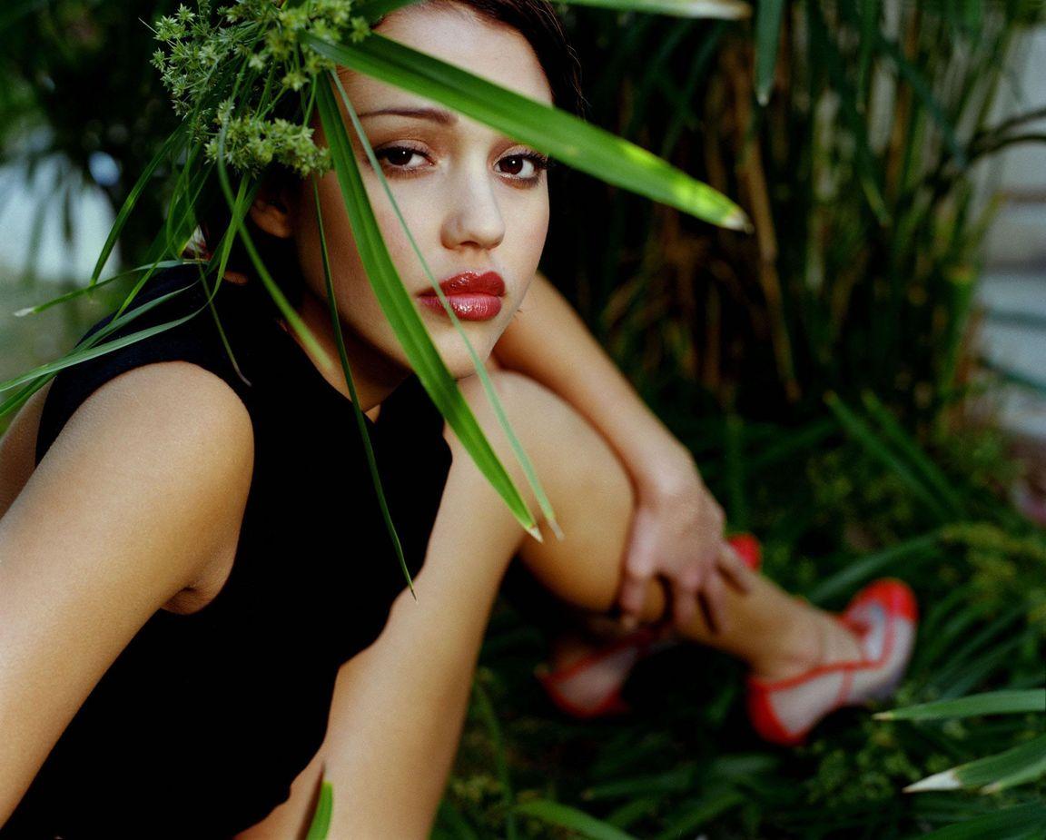 Джессика Альба  в фотосессии Патрисии де ла Роса  для журнала Maxim 1999