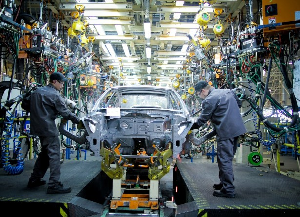 Автозавод general motors в петербурге сократил объемы производства до минимумавозобновив работу после летнего