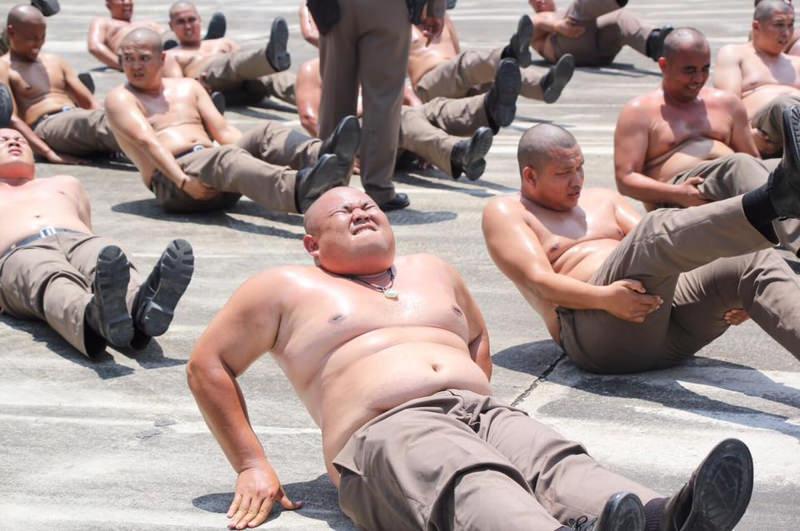 Лагерь для полицейских с лишним весом в Таиланде