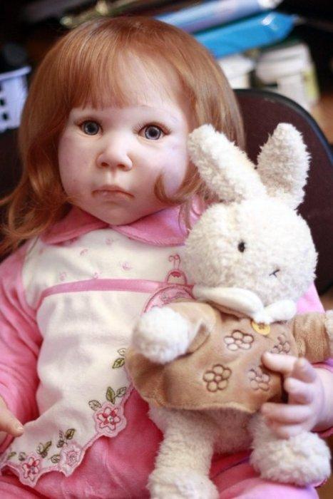 Прожектор Евы.Ру: имитация ребенка: <b>Вы пробовали делать куклы взрослых, животных?</b>  Да. У меня много авторских жанровых кукол. Я шью текстильных животных и сама придумываю им образы. Шью одежду, обувь. Все авторские куклы уходят в коллекции друзей и знакомых. Хотелось бы больше времени в сутках!