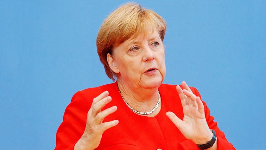 Меркель назвала условие снятия антироссийских санкций