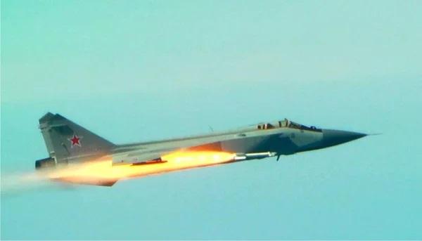 Британский истребитель выстрелил по российскому Су-27. Но быстро об этом пожалел