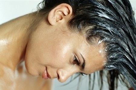 Волшебная соль лечит и восстанавливает волосы.