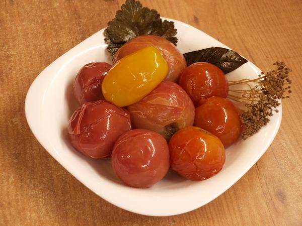 Квашеные помидоры - Видео рецепт