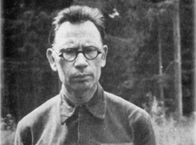 Какую секретную информацию выдал немцам генерал Власов на первом допросе