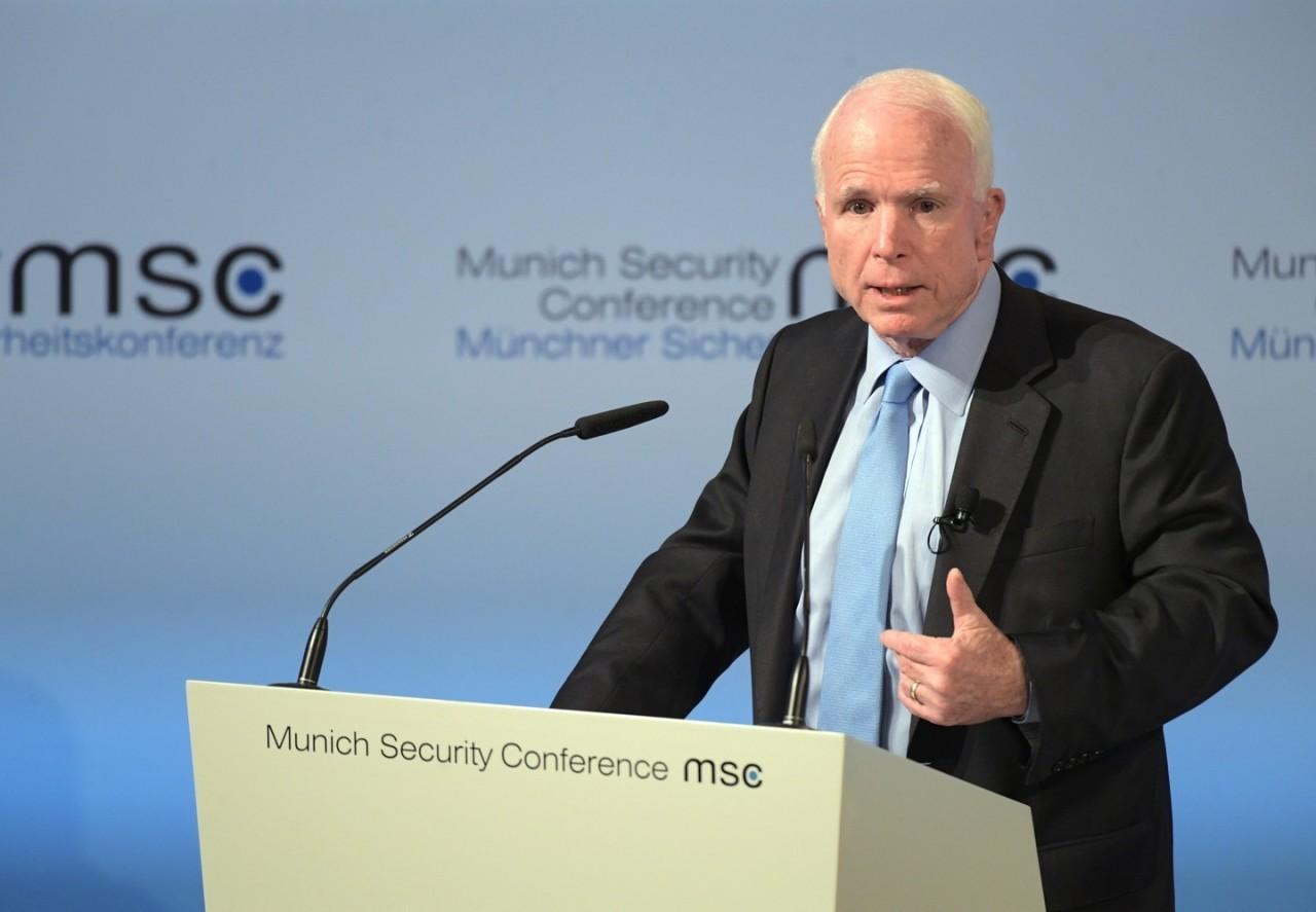 Маккейн назвал виновных в остановке работы правительства США