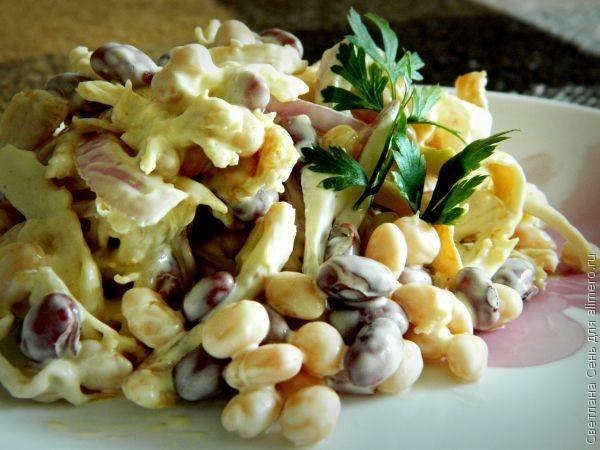 Куриный салат с фасолью