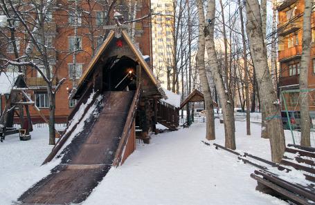 Ломать — не строить: в Москве снесли уникальную детскую площадку
