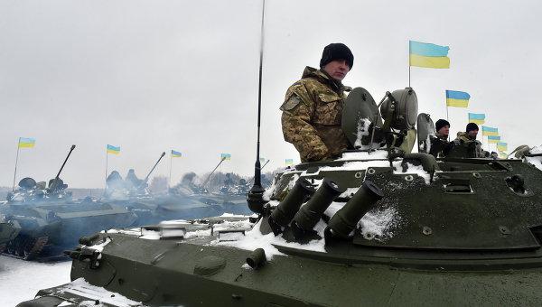 Порошенко: армия вводит дополнительные подразделения в Донбасс