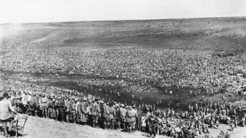 Тысячи советских военнопленных в чистом поле на оккупированных восточных территориях, август 1942 г. Великая Отечественная Война, история, пропавшие без вести, ссср, факты