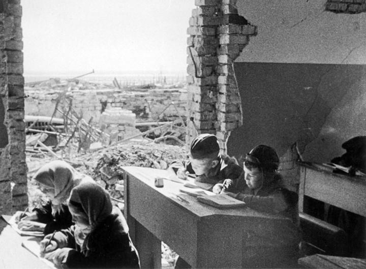Ответ Сталинграда Возрождение города-героя начиналось… со школ