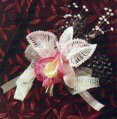 орхидея, связанная крючком