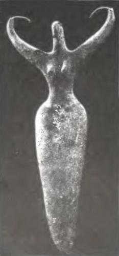 Женская статуэтка из Нагада I. Египет IV тыс. д.н.э. Руки как рога.