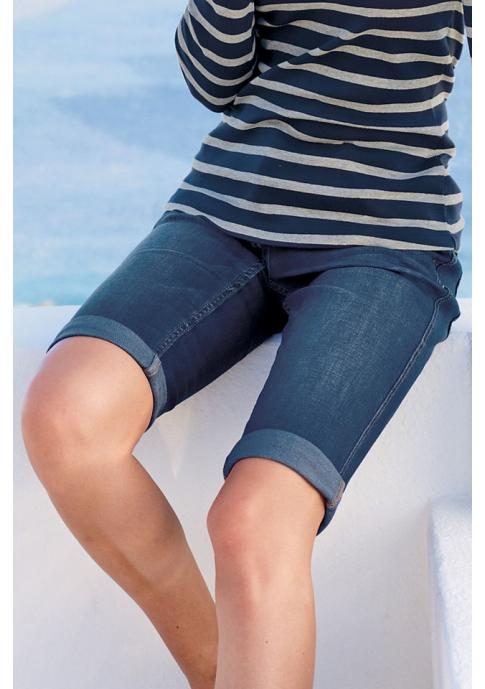 Модные тренды: джинсовые бермуды