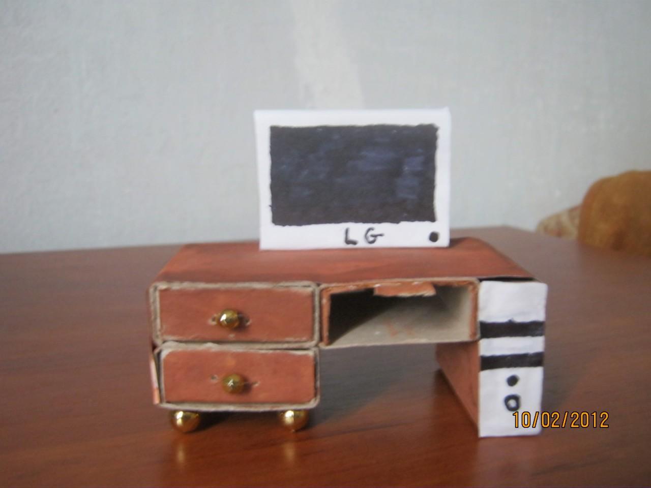 Как сделать столик из спичечных коробков