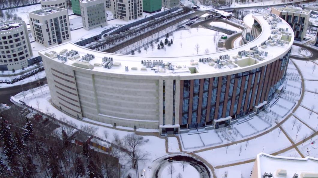 Фото: Жилой комплекс, из которого запрещено смотреть на дачу Шувалова