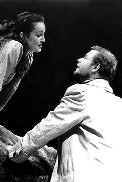 ...Виталий продолжал с ней играть на одной сцене